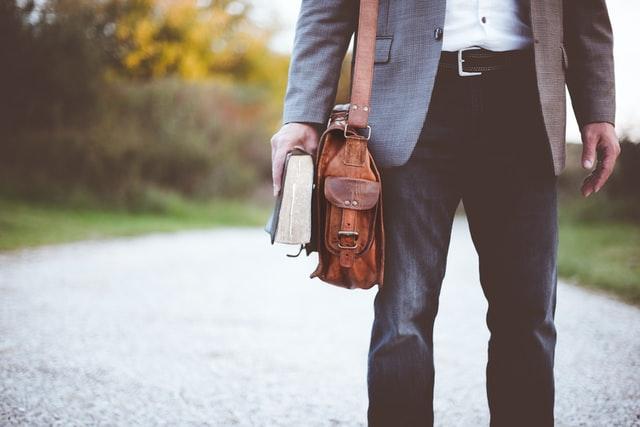 Tasker til mænd – Se 22 moderne eksempler her